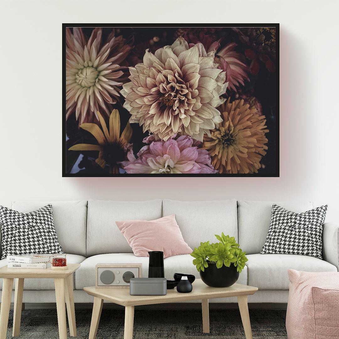 Romantic Floral's Canvas